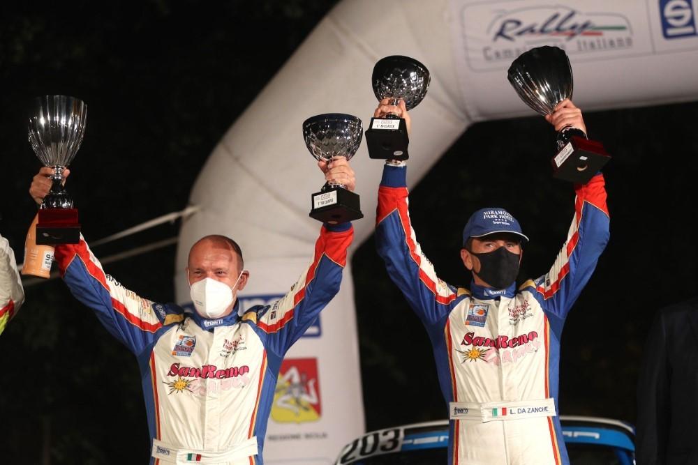 De-Luis-e-Da-Zanche-vincitori-alla-Targa-Florio-Porsche-911-GrB-2021